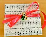 Musical-Christmas-Gift-Wrap